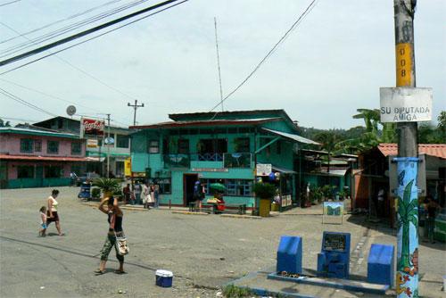La estacion de bus de Bribri