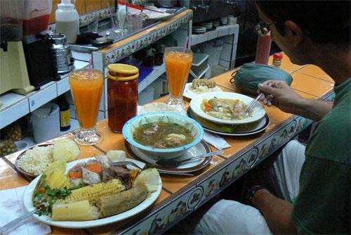 La olla de carne en el Mercado Central