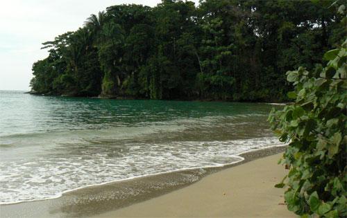 Playa escondida en Punta Uva